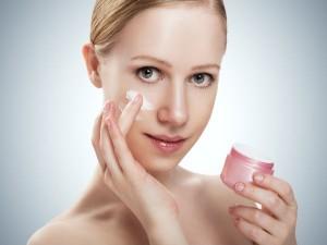 dưỡng ẩm cho da mặt